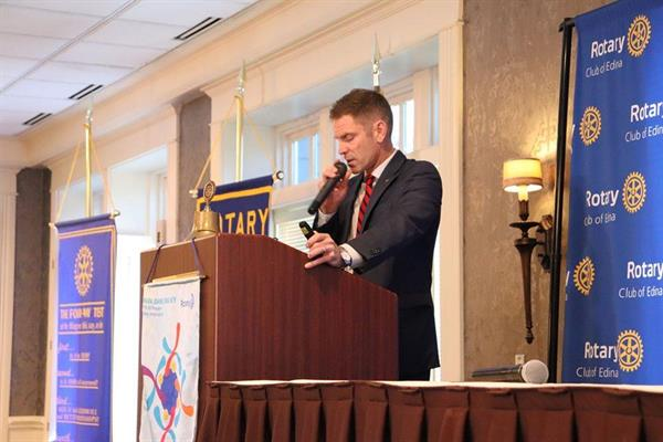 Josh_at_Podium_Rotary_Meeting